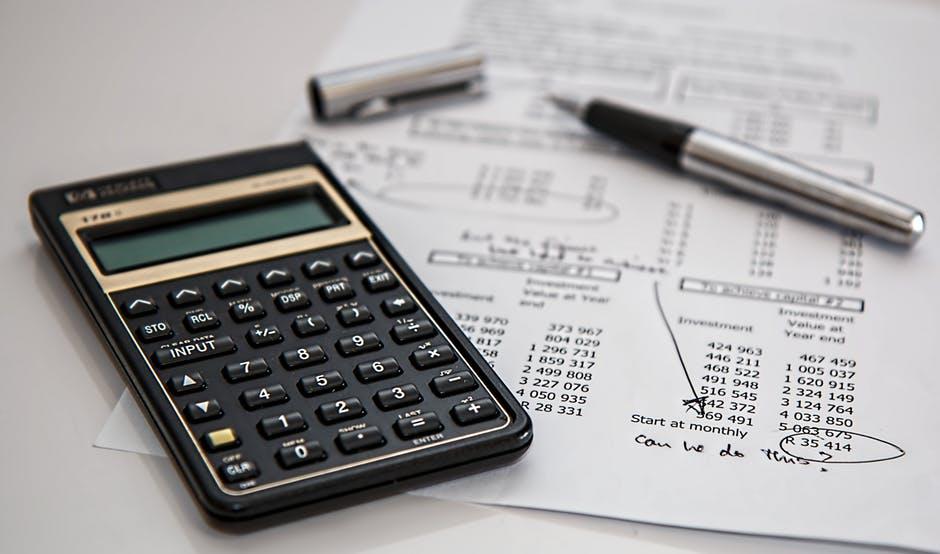 Jak zarządzać budżetem domowym, by nie popaść w kłopoty