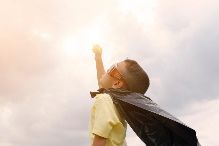 Uczymy dzieci oszczędzania, czyli zalety kieszonkowego
