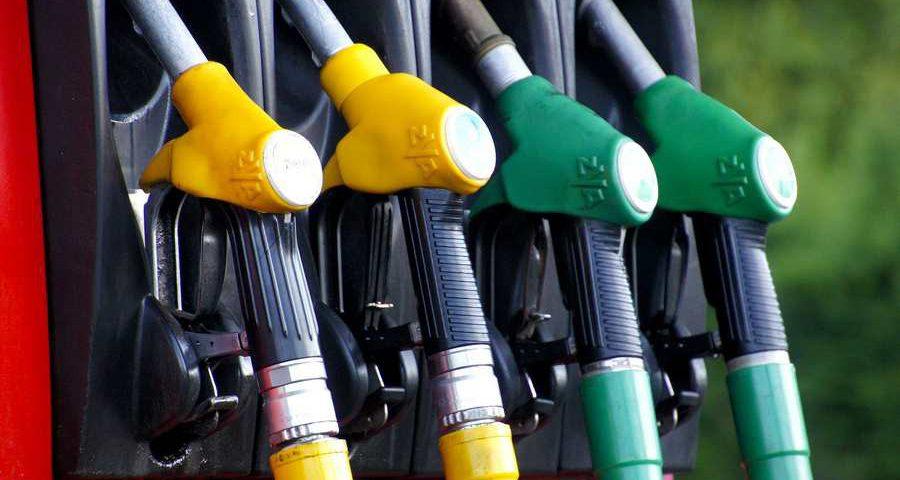 Kto zyskuje, a kto traci na wysokich cenach paliw?