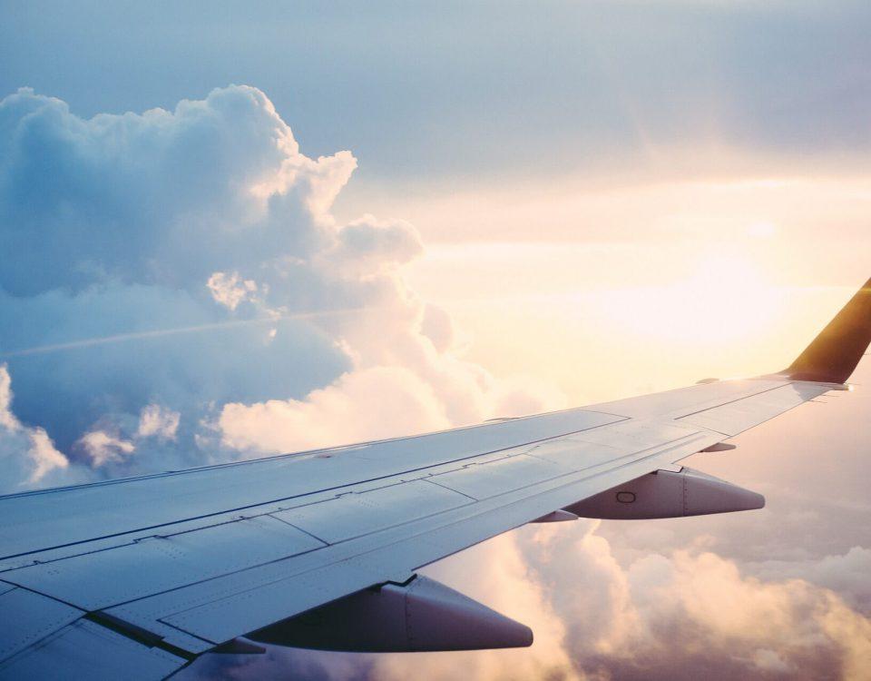 Ile pieniędzy można przewieźć samolotem?
