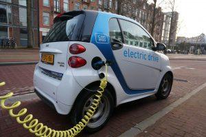 Samochód elektryczny czy konwencjonalny?