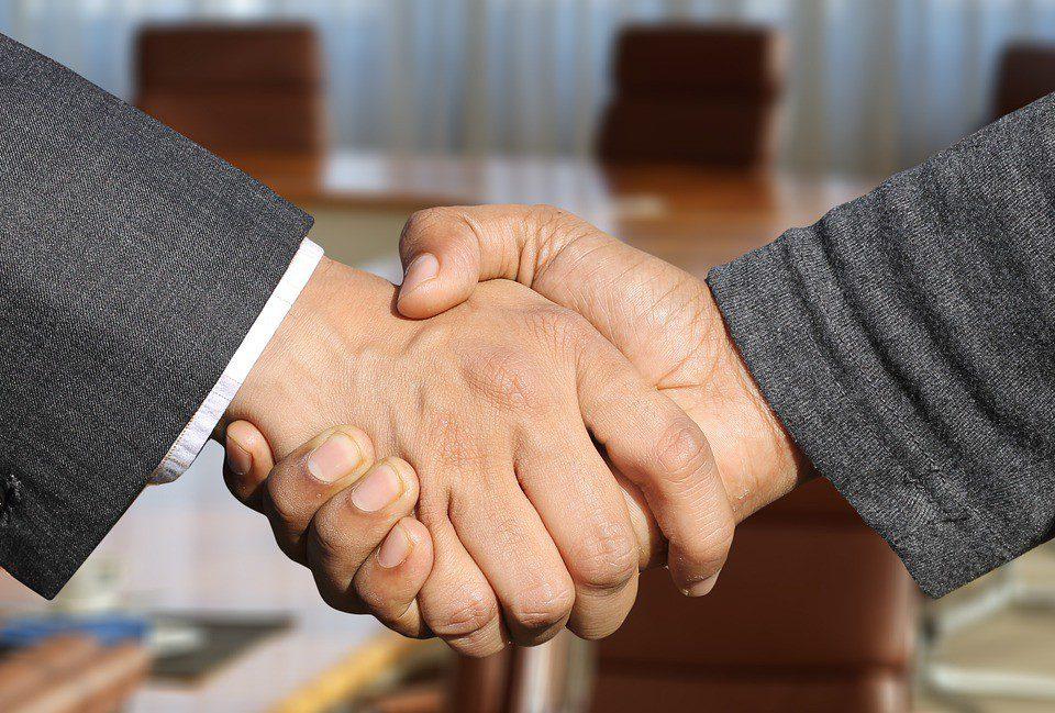 Pożyczki prywatne – co warto wiedzieć i jak prawidłowo umówić?