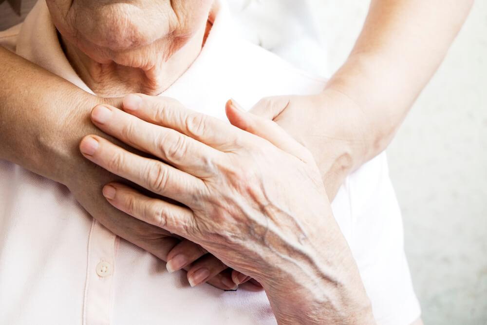 Świadczenie pielęgnacyjne —  dla kogo i ile można uzyskać?