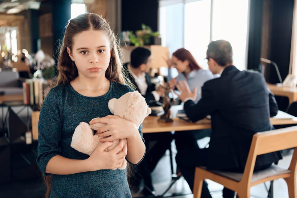 Alimenty — jak złożyć pozew o alimenty oraz ile wynoszą alimenty na dziecko w 2021 roku?