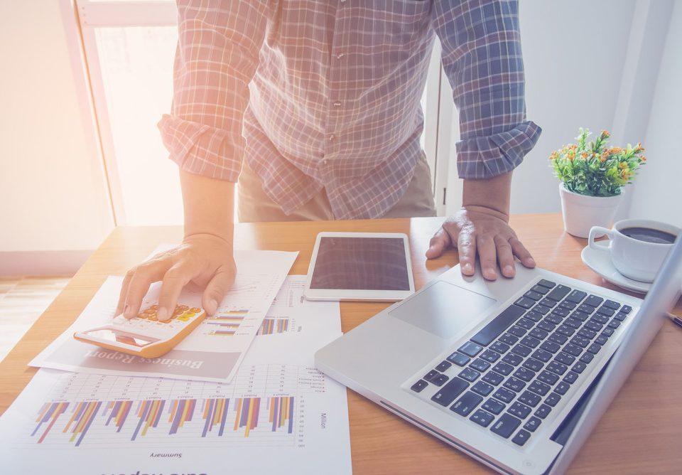 Kredyt obrotowy - na czym polega? Ranking kredytów obrotowych 2021 - mBank, PKO BP czy Ing Bank