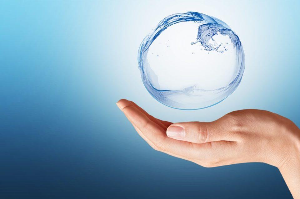 Jak oszczędzać wodę? Niebanalne sposoby na oszczędzanie wody